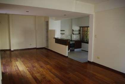 Due o directo alquiler departamento tipo casa de 4 for Casa de azulejos en capital federal